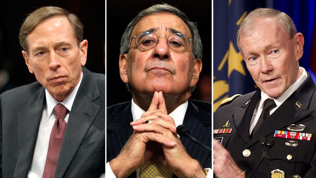 CIA-sjef David Petraeus, forsvarsminister Leon Panetta og forsvarssjef  Martin Dempsey er bare noen av de mange USA-topper som har besøkt Jerusalem  den siste tiden. (Foto: SCANPIX/TV 2-montasje)