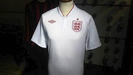 Englands nye drakter (Foto: Joey Barton/Twitter.com/)