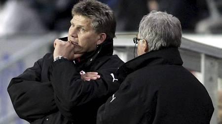 Fredrikstads trenere Knut Torbjørn Eggen (t.v.) og Egil Olsen i 2005. (Foto: Kallestad, Gorm/SCANPIX)