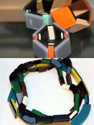 TILBEHØR: Plast, harpisk og rhinesteiner - tilbehøret i kolleksjonen Marni for H&M er preget av behandlede overflater og materialmiks.