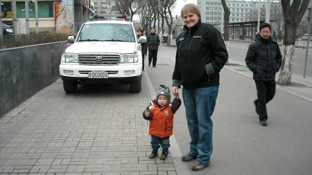 GA IKKE OPP: Berit Lagaard hentet sønnen Eirik i Kina for snart to år siden. Men veien dit var lang. (Foto: Privat)