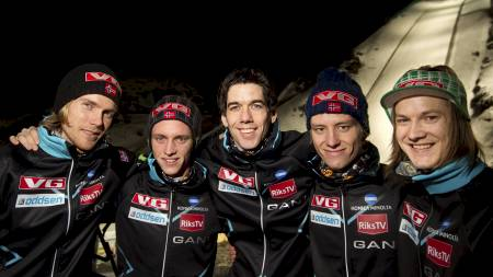 Norges VM-lag fra ventre: Bjørn Einar Romøren, Anders Fannemel, Anders Bardal, Rune Velta og Tom Hilde. (Foto: Bendiksby, Terje/SCANPIX)