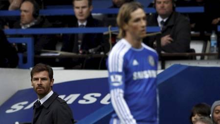 André Villas-Boas og Fernando Torres (Foto: STEFAN WERMUTH/Reuters)