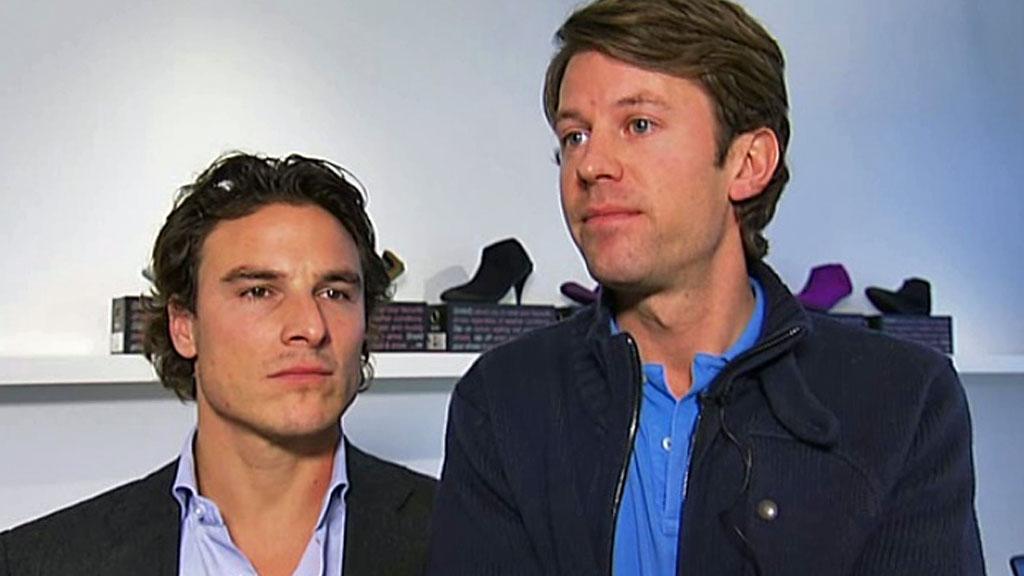Daglig leder Alexander Eskeland og designer Johan Ringdal er gründerne bak sukesessmerket SWIMS. Nå har de designet kalosje for selveste Armani. (Foto: God morgen Norge)