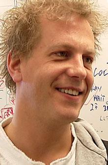 Forsker Terje Solvoll ved Nasjonalt senter for telemedisin, Tromsø. (Foto: Anders Mildestveit / TV 2)