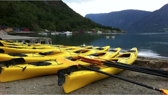 Majestetisk opplevelse i vannkanten i Lusterfjorden