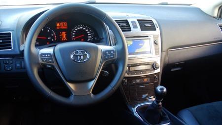 Toyota-Avensis-dashbord (Foto: Benny Christensen)