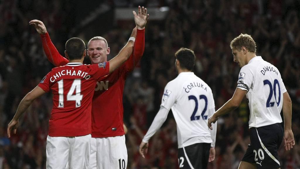 Wayne Rooney og Javier Hernandez feirer scoring i Uniteds 3-0-seier over Tottenham i 2011. (Foto: Tim Hales/Ap)