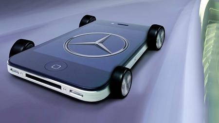 Utviklere fra både Apple og Daimler har jobbet tett sammen på hovedkvarteret i Palo Alto, California, for å viske ut de merkbare grensene mellom bil og mobiltelefon, og nyheten markedsføres med gjensidig stolthet av begge parter. (Foto: Daimler AG)