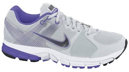 DAMEMODELL: Nike Zoom Structure 15 + har blitt smalere, noe som særlig er et pluss for damene. (Foto: Löplabbet/)