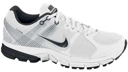 BEST STABILITET: Nike Zoom Structure 15 + har best stabilitet av skoene i testen. (Foto: Löplabbet/)