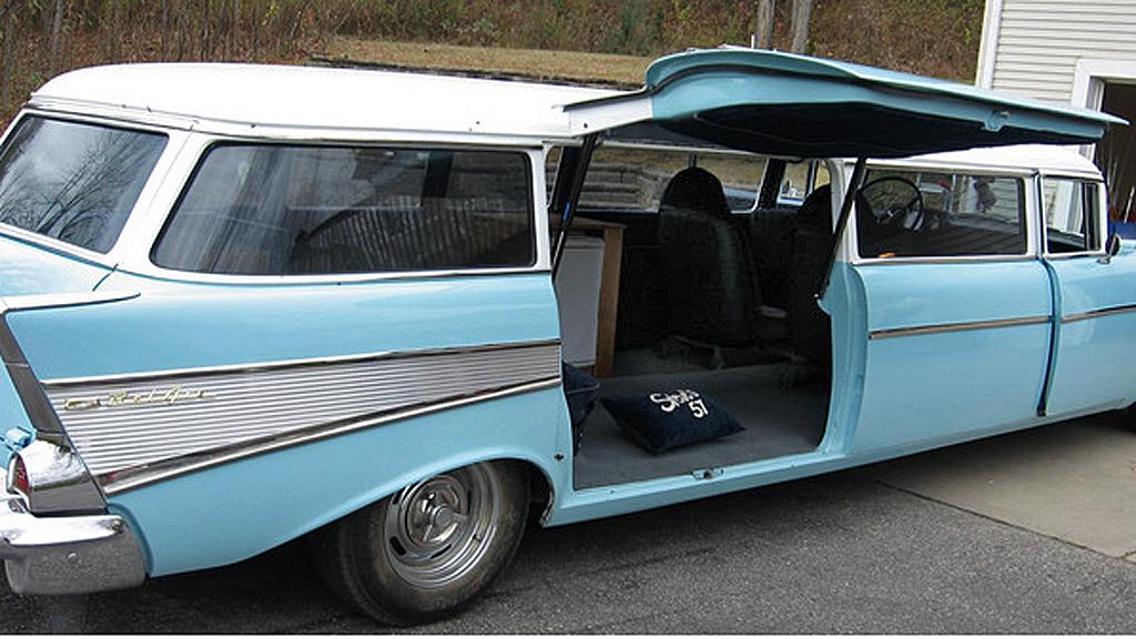 Den startet livet som en relativt sjelden 1957 Chevrolet Bel  Air Townsman stasjonsvogn. Etterpå har det skjedd mye... Foto: eBay.com