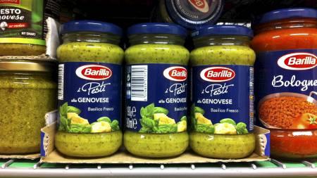 PESTO: Barillas Pesti alla Genovese har ikke forventet innhold. I glassene er det verken pinjekjerner eller fin olivenolje. (Foto: Birgitte Vaksdal / TV 2/)