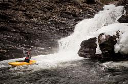 Silje Skorve i Vetlahelvete i Palmafossen. (Foto: Benjamin Hjort )
