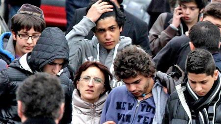 Sjokkerte jøder Toulouse (Foto: AFP)