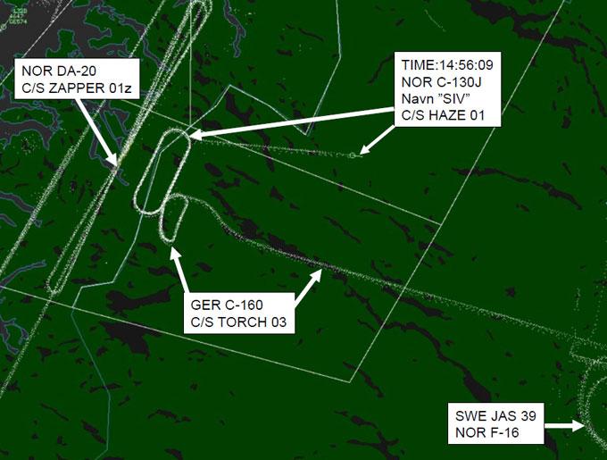 Denne radarutskriften viser registreringene i området fra klokken 14.30 til «Siv» forsvant ved Kebnekaise klokken 14.56. Flere av andre var på vingene samtidig, men ikke i nærheten av Siv. (Foto: FORSVARET)