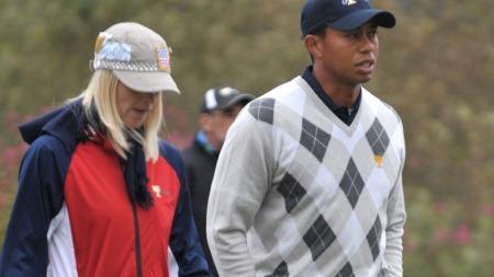 ET KJØLIG FORHOLD: I den nye boken skrevet av   Tiger Woods tidligere trener forteller han om privatlivet til golfstjernen.