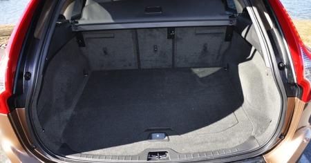 Bagasjerommet er ikke størst i klassen - på dette området har   for eksempel nye BMW X3 rykket ifra.