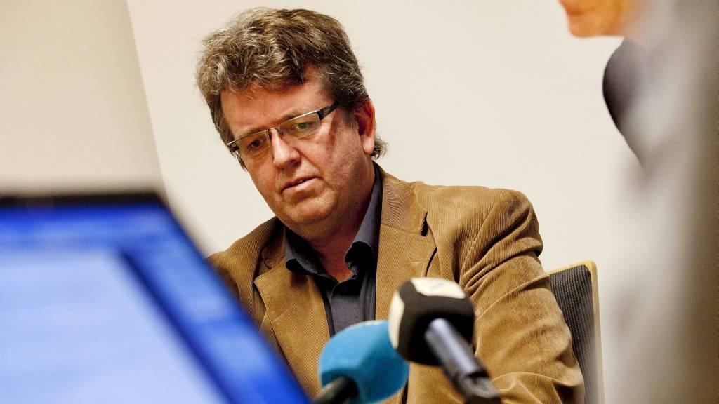 UMULIG Å FORTSETTE SOM ORDFØRER: Rune Øygard forklarer hvorfor han har søkt permisjon fram til rettssaken mot ham er over. (Foto: Meek, Tore/Scanpix)