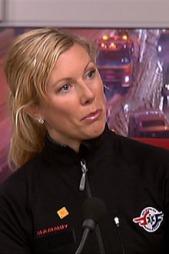 FORSKER: - Pakk forsvarlig, er rådet fra Trine Staff. (Foto: TV 2)