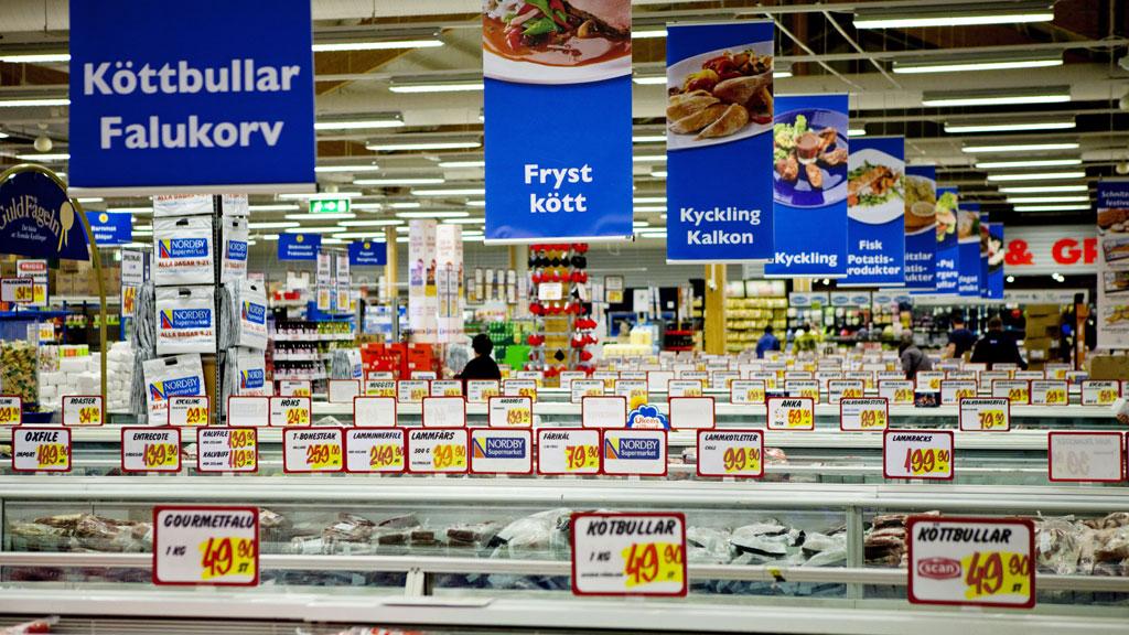 Mange nordmenn har tradisjon med å handle i Sverige i påsken. ¿ Det er ikke harry, mener direktør i Handel Virke. ¿ Det er lurt. (Foto: Øijord, Thomas Winje)