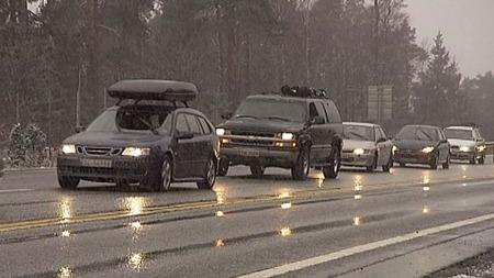 IKKE STRESS: Nyt køen og stopp underveis. I påsken er det bilkø,   og sånn er det bare. (Foto: TV 2)