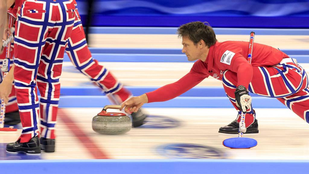 Thomas Ulsrud leder det norske curlinglaget i VM. (Foto: ARND WIEGMANN/Reuters)