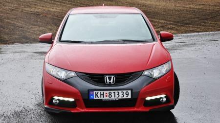 LED-lys må en hver ny bilmodell ha. På Civic er de med på å løfte utseendet.
