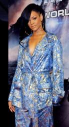 PYSJ: Rihanna på premieren til Battleship i pysjamas. (Foto: KEIZO MORI, ©KM)