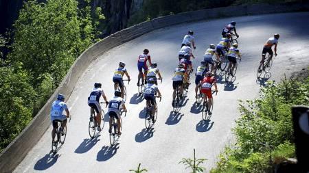 SYKKELVEKST: Rekordmange norske syklister vil løse lisens til turritt i 2012. Sykkelforbundet mener økt eksponering, deriblant på TV 2, bidrar til sykkelveksten. Til helgen skal 5600 sykle Bergen-Voss. (Foto: Tom Gulbrandsen/)