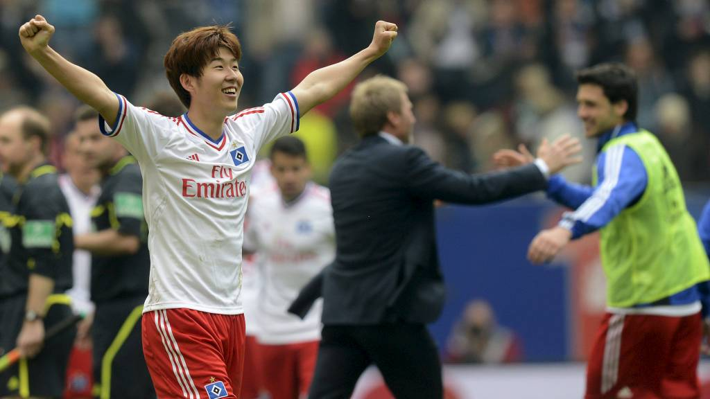 Heung Min Son celebrates after the German Bundesliga first division soccer match against Hannover 96 in Hamburg (Foto: FABIAN BIMMER/Reuters)