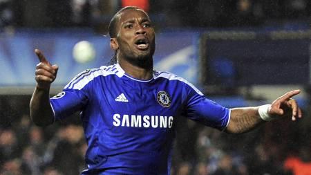 SCORET: Didier Drogba sendte Chelsea i ledelsen mot Barcelona. (Foto: GLYN KIRK/Afp)