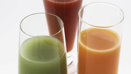 MYE SUKKER: Mange overvurderer sukkerinnholdet i kullsyreholdige drikker, men undervurderer innholdet i smoothies og fruktjuicer, viser ny forskning. (Foto: Illustrasjonsbilde / Colourbox/)