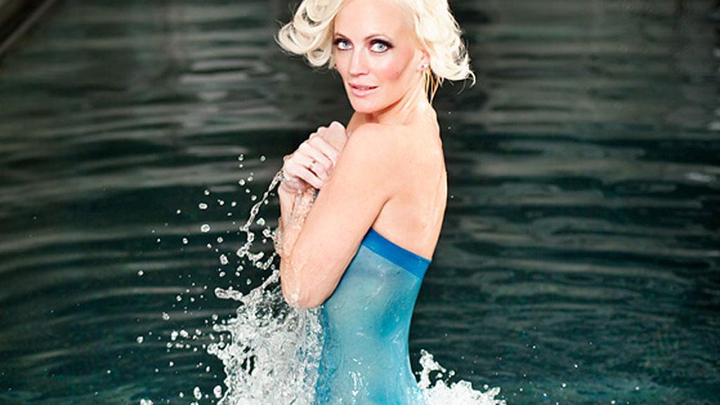 Modell Ingrid Anette Hoff Melkersen skjuler noe mange syns er ekkelt. (Foto: John Andre Aasen/PHOKUS)