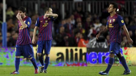 SKUFFET: Lionel Messi, Andres Iniesta og Thiago Alcantara måtte gå av banen uten uttelling lørdag. (Foto: JAVIER SORIANO/Afp)