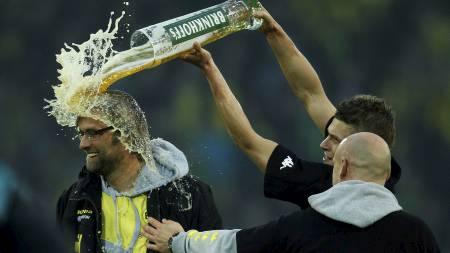 Jürgen Klopp og Lukasz Piszczek - Borussia Dortmund. (Foto: INA FASSBENDER/Reuters)