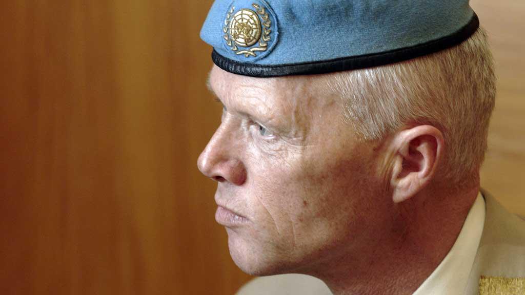 KLAR: Den norske generalmajoren Robert Mood reiste søndag til  New York for å bidra i planleggingen av FNs observatørstyrke til Syria.  (Foto: Scanpix)