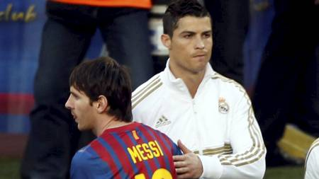Lionel Messi og Cristiano Ronaldo under El Clasico. (Foto: GUSTAU NACARINO/Reuters)