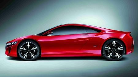 Fartsdump-fasongen er fremtredende på Acura NSX Concept, likevel har man klart å gi den både særpreg og ganske rolige, elegante linjer.