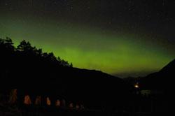 Nordlys over Eidslandet, Vaksdal tatt natt til 25.04.12. (Foto: Bente Boge)