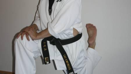 Helge Olaussen, trener streching hver dag og har blitt en myk mann. (Foto: Privat/)
