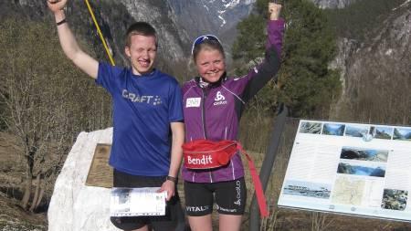 MOTBAKKEVINNERE: Asbjørn Berland fra Samnanger og Hilde Fenne fra Voss vant årets utgave av Stalheimskleiven Opp 1. mai. (Foto: Christian Prestegaard/)
