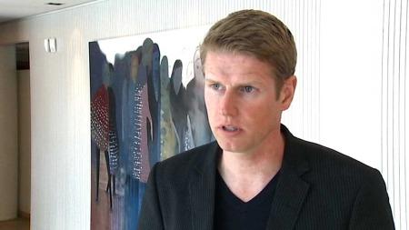 EKSPERT: Ole Petter Kjerkreit i ABG Sundal Collier tror ikke indiske myndigheter bryr seg om norske interesser taper store penger.   (Foto: TV 2)