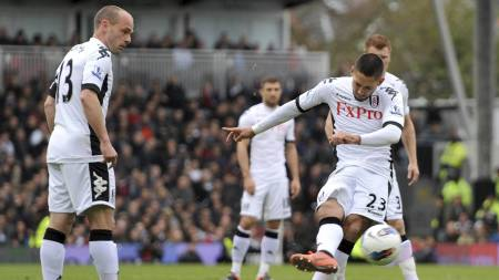 Clint Dempsey scorer for Fulham mot Sunderland (Foto: Daniel Hambury/Pa Photos)