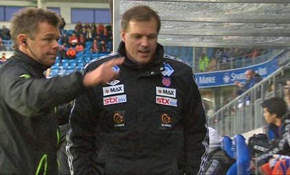 Kjetil Rekdal ble sendt på tribunen mot slutten av kampen mellom Molde og Aalesund. (Foto: TV 2)