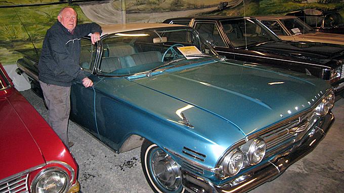 En privat samling med 140 biler og motoriserte doninger blir nå gjort tilgjengelige for publikum på Vestlandet. Eier Rolf Wee har selv pusset opp og gjort samtlige kjørbare, og ser på samlingen som sitt livsverk. (Foto: Privat)