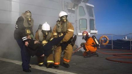 ØVER SAMMEN: Øvelse Pomor mellon norske og russiske styrker pågår nå. Øvelsen er en utvikling av øvelsen med samme navn som ble gjennomført i 1994 hvor en russisk fregatt deltok sammen med norske, britiske, nederlandske og amerikanske fartøyer.  (Foto: Scanpix)