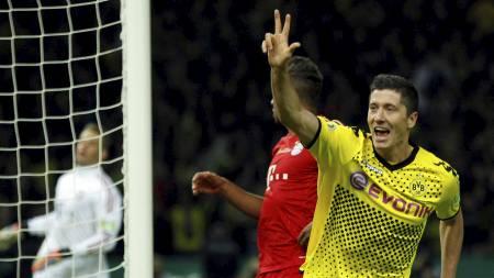 Robert   Lewandowski har hatt stor suksess i Dortmund. Nå er det EM på hjemmebane   i Polen som gjelder. Polakkene begynner den siste finpussen med kamp   mot Latvia i Klagenfurt i kveld. (Foto: INA FASSBENDER/Reuters)