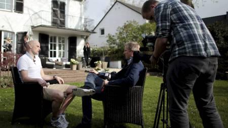 OVERTAR WOLVES: Ståle Solbakken overtar Wolves. Her i samtale   med TV 2s reporter ve den tidligere anledning. (Foto: Oliver Berg/NTB   scanpix)
