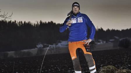Olaf Tufte trener fysisk med Stihl tømmersport, forbereder seg til VM på Lillehammer i september 2012. (Foto: Stihl/)